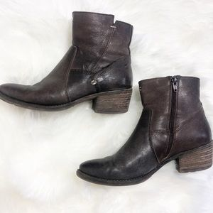 Anthropologie Khrio Zip Ankle Brown Bootie Size 38